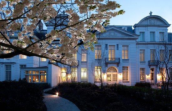 sandton-grand-hotel-reylof
